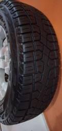 Vendo um pneu pirelle Scorpion roda da strada novo