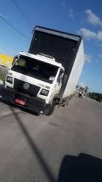 Caminhão 8 - 150 baú
