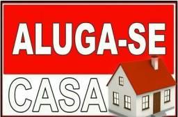 ALUGA-SE CASA (leia a descrição)