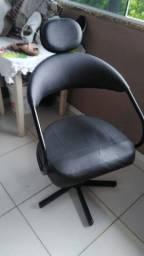 Cadeira de salão giratória preta