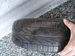 Pneu com aro 185 14 por apenas 150 reais o pneu esta em meia vida