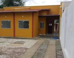 Casa em Rua Pública - Bairro Guajiru Caucaia ceará. 5 minutos do centro