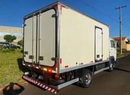 Vendo caminhão baú 2010