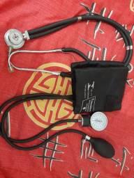 Kit com estetoscópio e esfigmomanômetro Premium