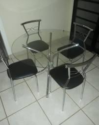 Mesa vidro e cadeiras