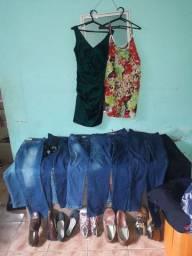 Lote roupas para bazar mais de 100 peças a 120 reais.