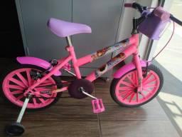 Bicicleta infantil aro 16 da Moana com cestinha
