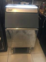 Máquina gelo Everest 75A