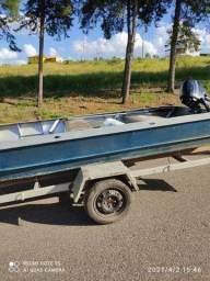 Barco de alumínio com motor