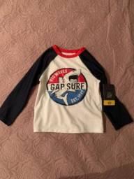 Camisa de praia baby GAP com fator de proteção solar 50