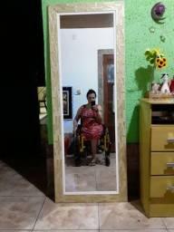 Espelho grande.