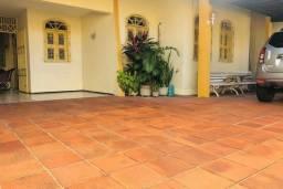 Casa a venda no Montese com 04 Quartos (TR68521)