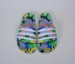 Chinelo adilette Adidas Farm