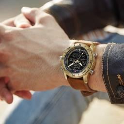 Relógio Naviforce em couro legítimo