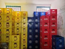 Título do anúncio: Caixas de cerveja, coca-cola e guaraná completa com cascos