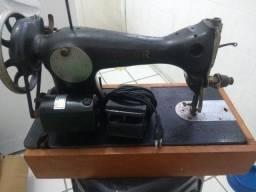 Máquina de costura antiga Singer .