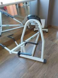 Maquina de musculação cavalinha