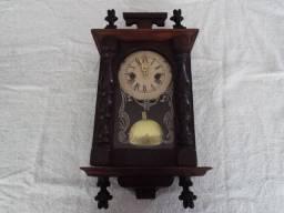 Relógio Capelinha com Caixa Original Restaurada e Máquina Nova a Pilha