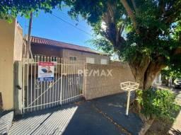 Casa com 2 sormitórios sendo 1 suíte para alugar no bairro Jardim Matilde - Ourinhos/SP