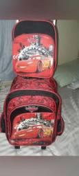 Vende-se kit de mochila escolar infantil carros