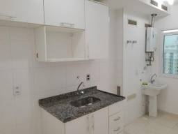 Título do anúncio: Apartamento com 2 dormitórios para alugar, 59 m² por R$ 1.000/mês - Glória - Macaé/RJ