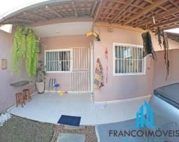 Casa com 2 Quartos, Quintal amplo com espaço gourmet em Santa Mônica