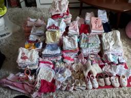 Lote roupas bebê menina 0 a 6 meses. 200 peças
