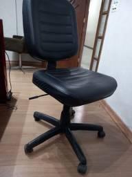 Cadeira escritório simples