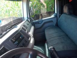 Caminhão 24280 bitruck