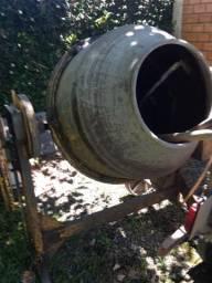 Vendo betoneira grande