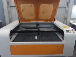 Maquina de corte e gravação a Laser 1390