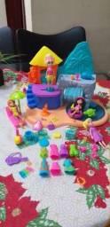 Brinquedos da Polly e Shopkins