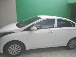 Hb20 Confort Plus 1.6 sedã - 2014