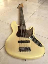 Baixo Fender American Deluxe V