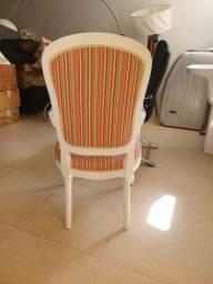 Cadeira Modelo: Luís Felipe- Laqueada/ seminova