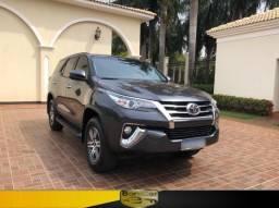Toyota Hilux SW4 SRV Flex (7 Lugares)