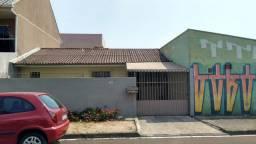Casa de esquina próximo ao posto de saúde no Sitio Cercado