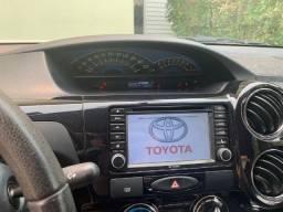 Toyota Etios 1.5 Platinum completão e bem conservado