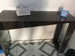 Mesa de canto nova, ainda no plástico