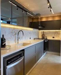 Linda cozinha com iluminação em LED