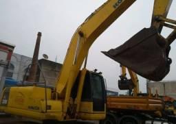 Escavadeira Komatsu Pc200-8 *ano 2011<br><br>