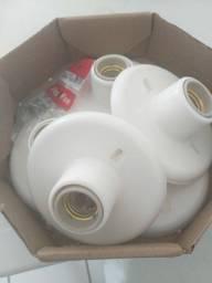5 bocais de lâmpadas bem conservados.