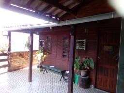 Vendo Casa com linda vista no Quarteirão Brasileiro divisa com o Batalhard