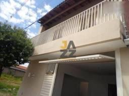Casa com 3 dormitórios à venda, 239 m² por R$ 270.000,00 - Vila Industrial - Bauru/SP