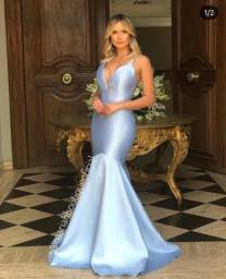 Vestido azul impecável