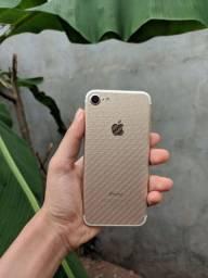 iPhone 7 128GB semi-novo
