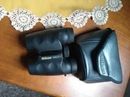 Binóculo Nikon 8 x 23 compacto mas muito potente, lentes de cristal com case