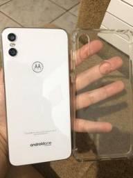 Motorola one com caixa