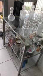 Aparador em vidro e inox