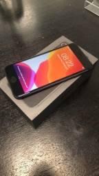 iPhone 8 64gb desbloqueado na caixa